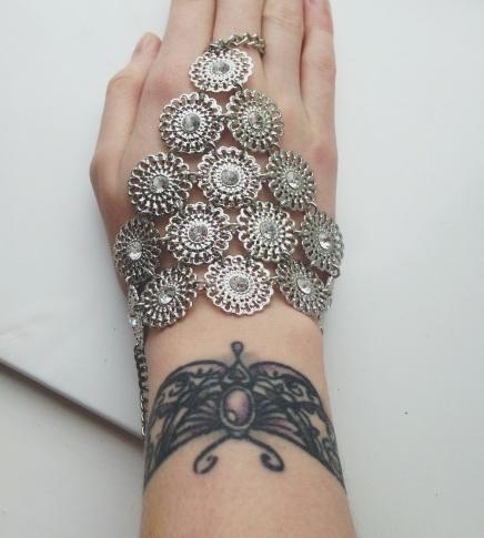 Hand chain £3 Primark