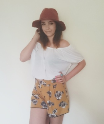 Gypsy Warrior Shorts £30 miss Selfridge~ Top £4 Primark Head scarf £4.99 H&M