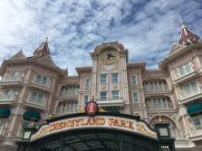 DisneyLand Park Entrance