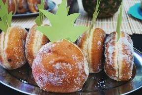 Pineapple's or Doughnut's ?